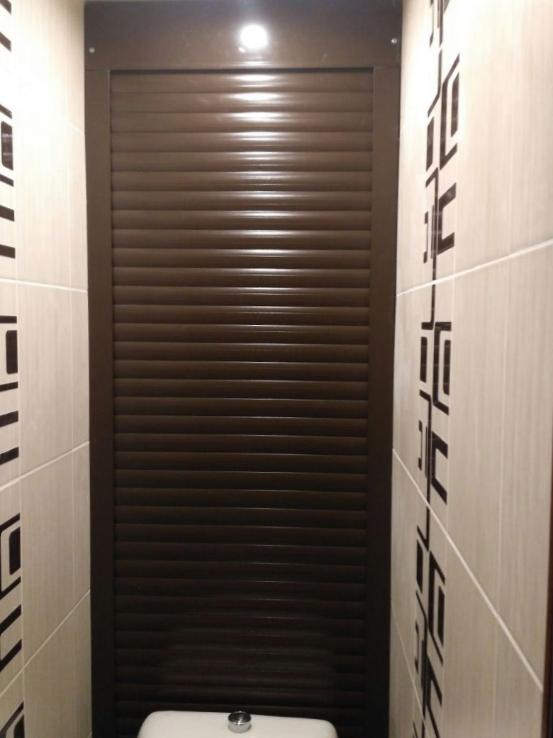 рольставни в туалет коричневая